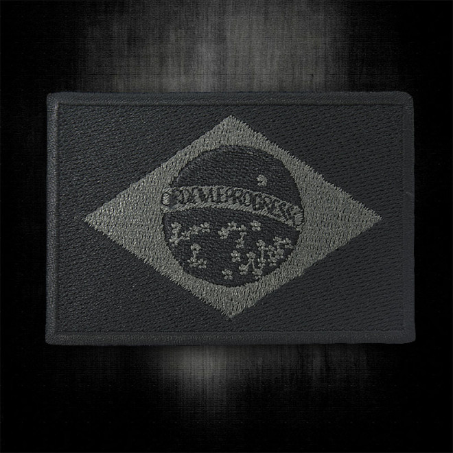 a7a160a380 Bordado Bandeira do Brasil Preta Grande com Velkro - Militar Brasil ...