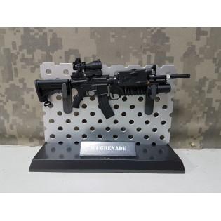 Miniatura M4 Grenade 15cm