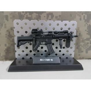 Miniatura M4 CQB 15cm